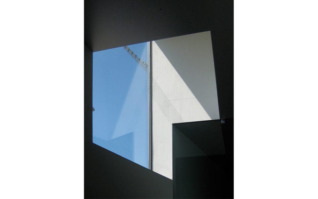 portiersloge Penitentiaire Inrichting binnen raam detail beton minimalistisch