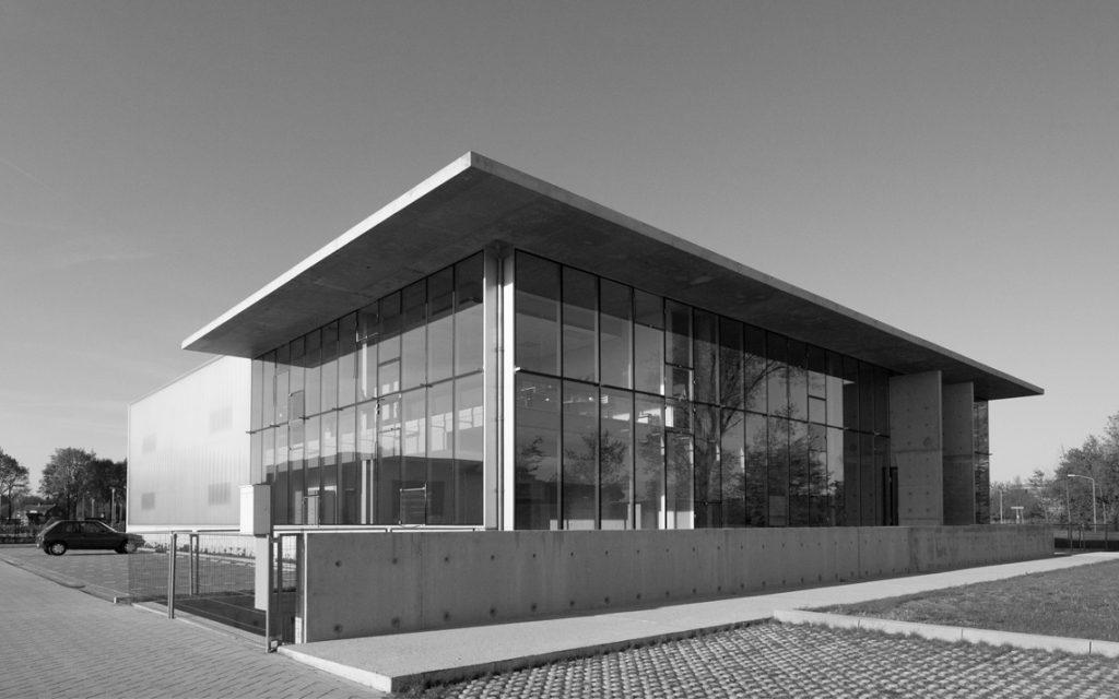architectuur beton glas zijgevel modern