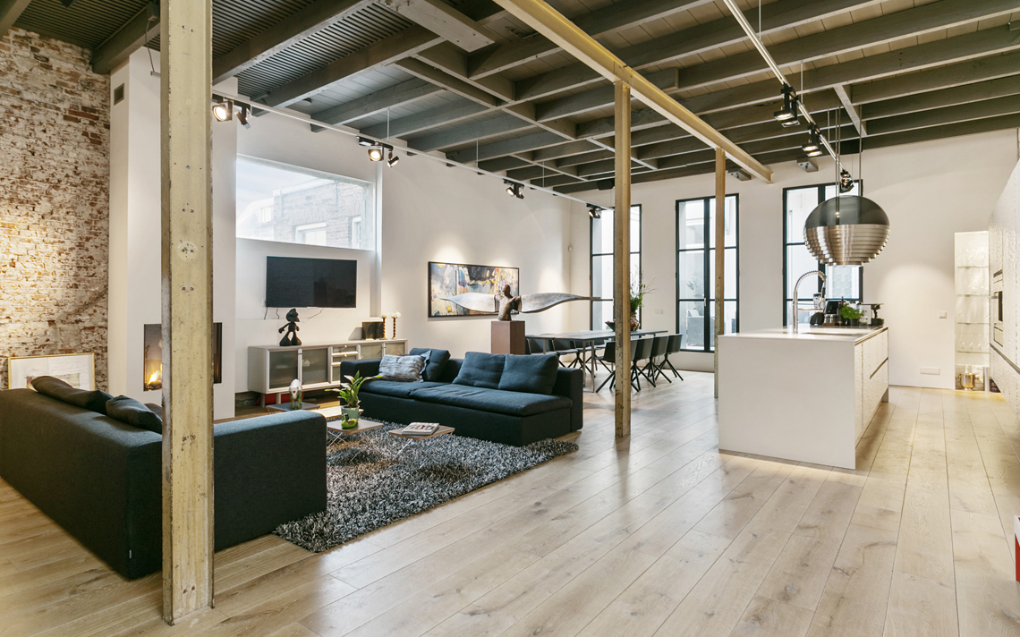 voorkamer herbestemming pakhuis tot loftwoning door architect Thomas Kemme