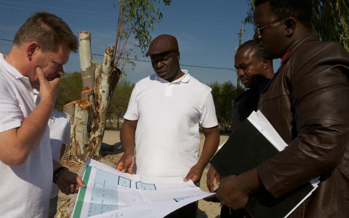 ontwerpbespreking school Namibië