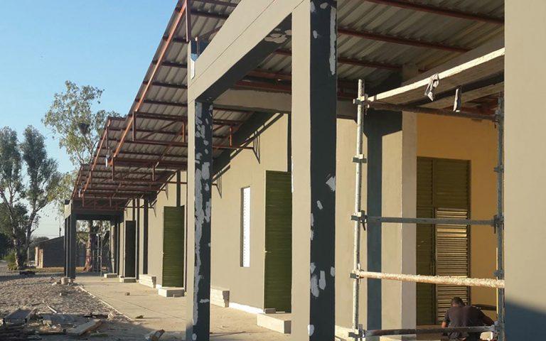 tuingevel in aanbouw school Namibië