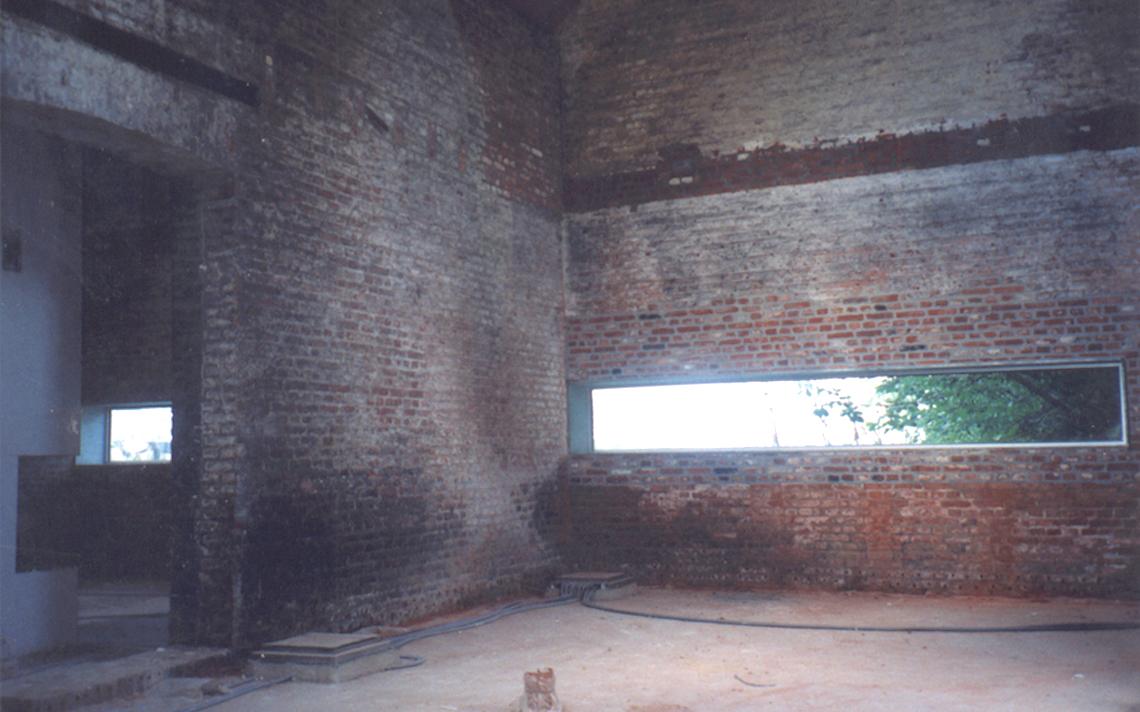 oude baksteen museum interieur lintvenster architect